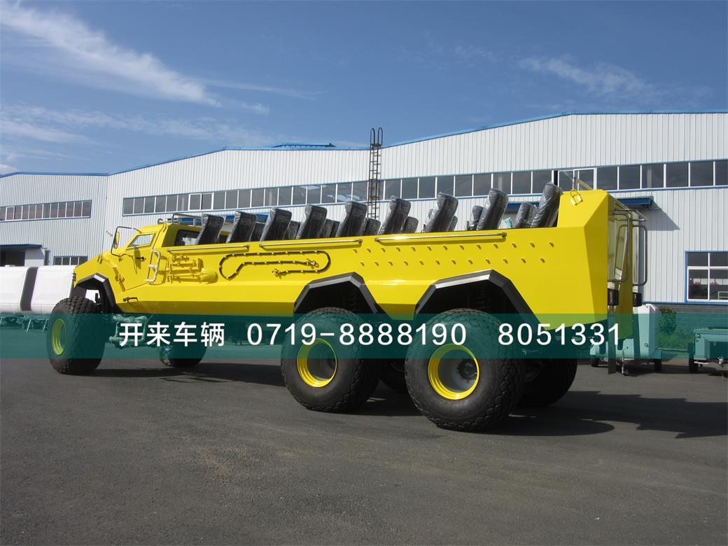 六驱沙漠旅游车