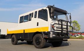 四驱越野工程运输车